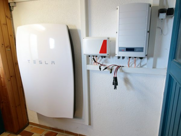 kfw effizienzhaus mit photovoltaikanlage und solarspeicher. Black Bedroom Furniture Sets. Home Design Ideas